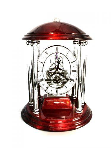 Ρολόι Quartz μπαταρίας ΑΑΑ με εμφανή τα γρανάζια του να περιστρέφονται